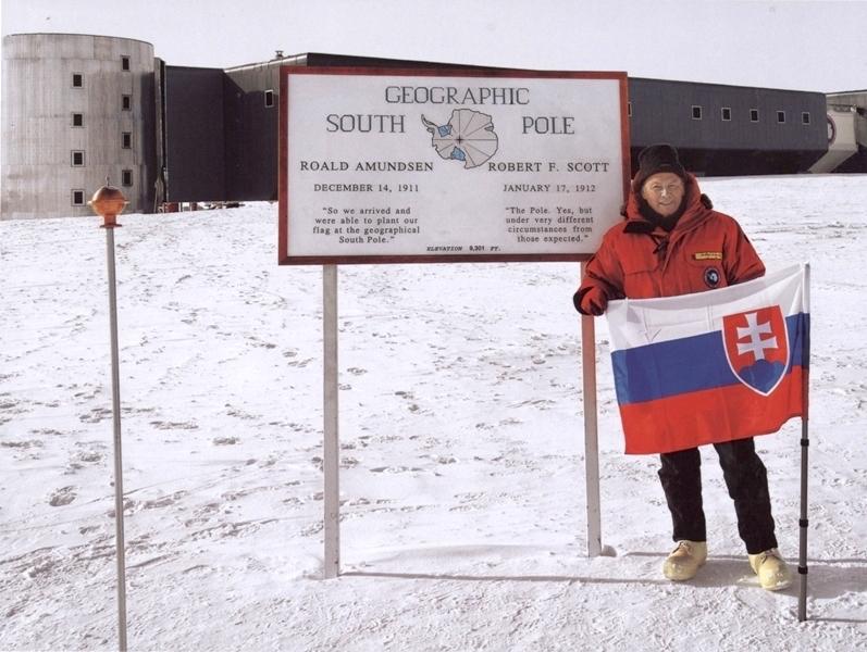 Obr.: Exprezident Rudolf Schuster na južnom póle vo veku 75 rokov, rok 2009