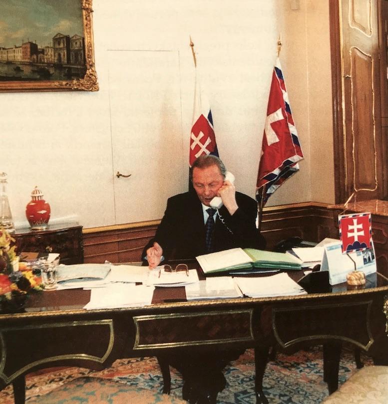 Obr.: Rudolf Schuster, prvý prezident Slovenskej repulbiky volený priamo občanmi